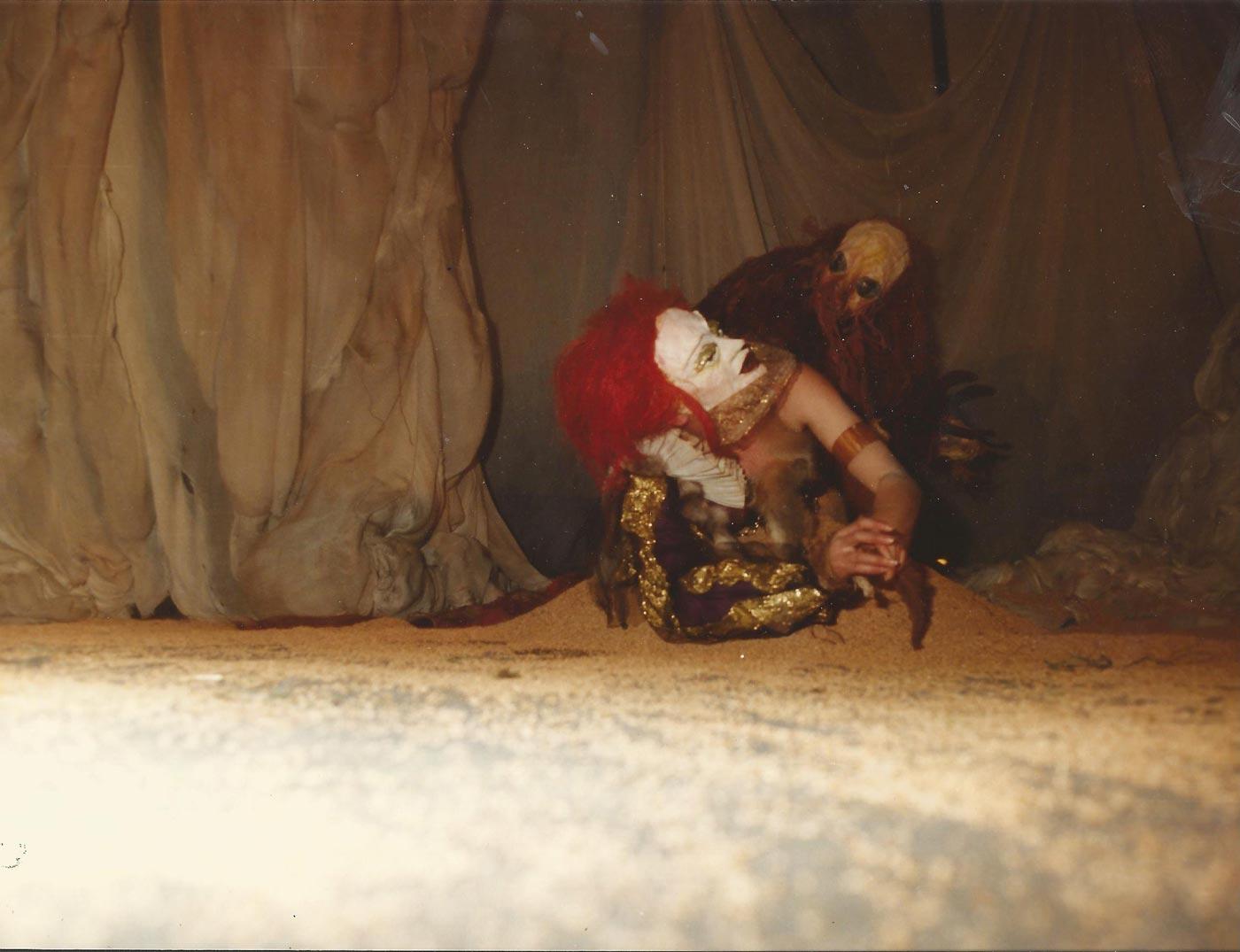 1983-la-bella-y-la-bestia-guirigai-fotos-02